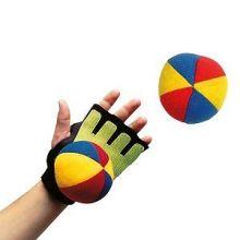 Käsipallo tarranauhalla